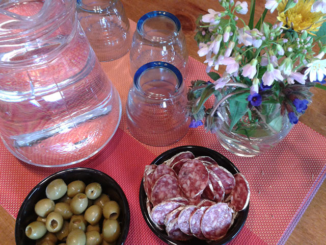 Saucisson sec & olives